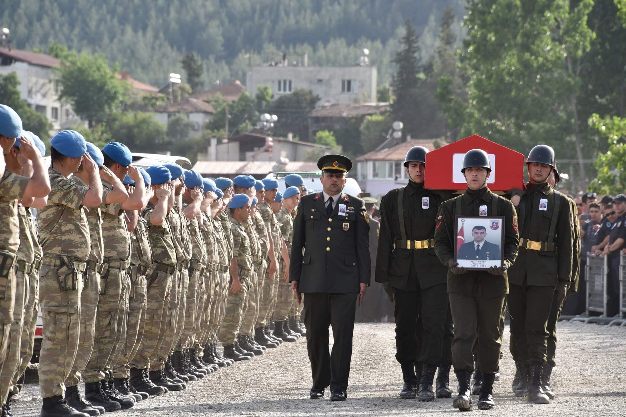 Şehit Uzman Onbaşı Alper Seven, Son Yolculuğuna Uğurlandı