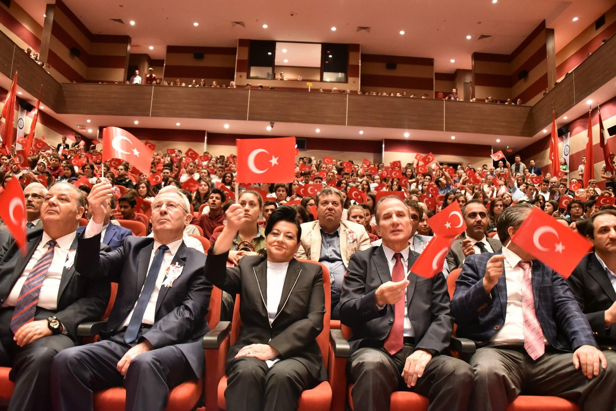 Vali Civelek, '15 Temmuz Demokrasi ve Milli Birlik Günü Programına katıldı